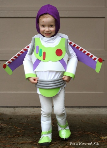diy-buzz-lightyear-halloween-costume-1